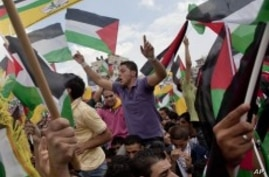 Abbas Receives Hero's Welcome in West Bank