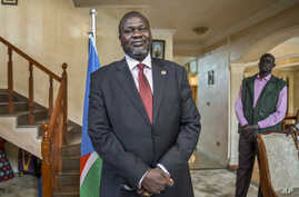 South Sudan's rebel leader Riek Machar speaks about the situation in South Sudan following last week's peace agreement with the government, in Addis Ababa, Ethiopia, Aug. 31, 2015.