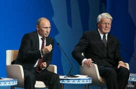 Russian President Vladimir Putin, left, and Iceland's President Olafur Ragnar Grimsson during the International Arctic Forum in Salekhard, a city 1,950 km northeast of Moscow just above the Arctic Circle, Russia, Sept. 25, 2013. Photo: Vera Undritz/V
