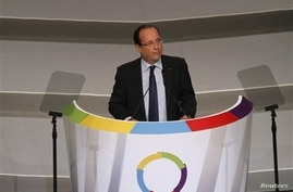 French President Francois Hollande speaks during the opening session of the Francophonie Summit, in Congo, Kinshasa,Oct. 13, 2012.