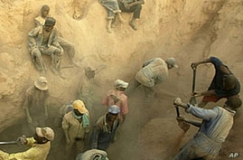 Rights Groups Say Banks Enabling Trade in Blood Diamonds