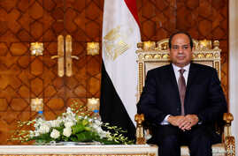 Egypt's President Abdel Fattah al-Sisi attends a signing of agreements ceremony with Sudan at the presidential palace in Cairo, Oct. 5, 2016.