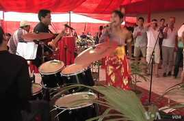 Rock Musicians 'Carry On' in Pakistan