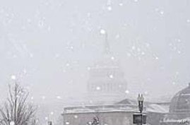 US Capitol during snowstorm