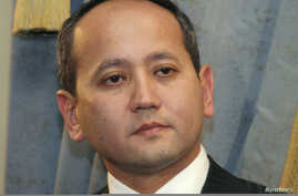 Dissident Kazakh oligarch Mukhtar Ablyazov is seen in Almaty in this November 27, 2006 file photo.