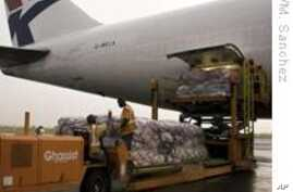 UNHCR Brings Aid to Expelled Angolan Refugees