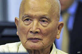 Former Khmer Rouge Leaders Ask Court to Release Them