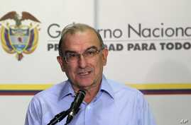 Humberto de la Calle, head of Colombia's government negotiation team, speaks at a press conference at the close of the thirteenth round of peace talks with the Revolutionary Armed Forces of Colombia, or FARC, in Havana, Cuba, Aug. 28, 2013.