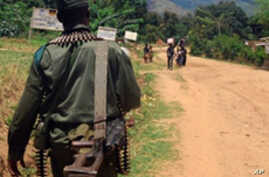 Congolese army (FARDC) soldiers patrolling in Mboko in South Kivu (2009 file photo)