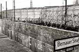 Fall of Berlin Wall Marks End of Cold War