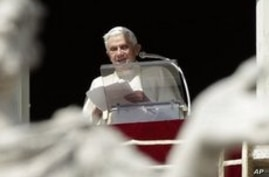 Pope Benedict Expresses Concern About Violence in Libya and Pakistan
