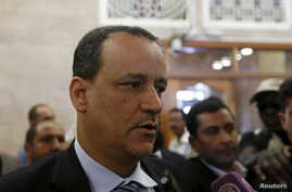 Ismail Ould Cheikh Ahmed, the U.N. envoy to Yemen, talks to reporters upon arrival at the international airport of Sanaa, May 29, 2015.