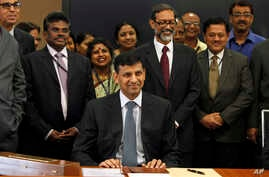 Reserve Bank of India's (RBI) newly appointed governor Raghuram Rajan takes charge at the RBI headquarters in Mumbai, India, Sept. 4, 2013.