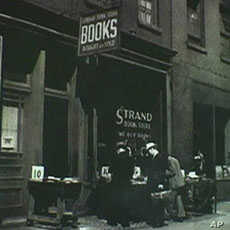 US Bookstore Survives Changes in Publishing Industry