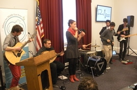 Heartbeat, a groups of Palestinian and Israeli high school students and young adults, perform at a congressional office building in Washington, D.C., March 11, 2014. (J. Taboh/VOA)