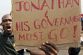 Striking Workers 'Dare' Nigerian Government to Withhold Pa