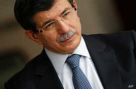 Turkish FM Davutoglu Calls for Solidarity with Syrian People