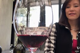Yao Family vineyard wines have won praise from a leading wine critic.