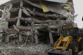 Turkey Earthquake Cleanup Under Way as Searches Wind Down