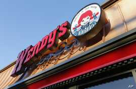 Fast-food chain Wendy's is installing self-ordering kiosks in 1,000 locations nationwide.