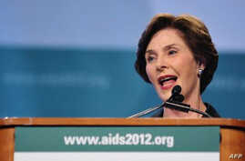 Former US first lady Laura Bush at AIDS conference, Jul 26, 2012