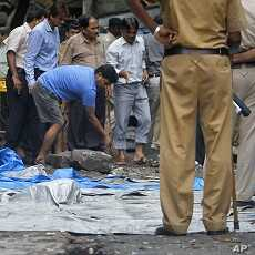 Indian Authorities Examine Evidence in Mumbai Attacks