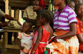 Thousands Flee Ivory Coast Stand-Off