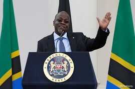 Tanzania's President John Magufuli addresses a news conference during his official visit to Nairobi, Kenya, Oct. 31, 2016.