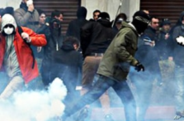 Greek Police Clash with Bomb-Throwing Protesters