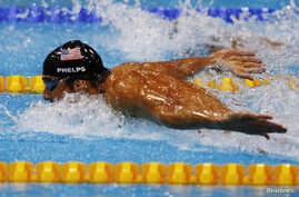 Michael Phelps of the U.S. swims the butterfly leg of the men's 4x100m medley relay final during the London 2012 Olympic Games at the Aquatics Centre August 4, 2012.