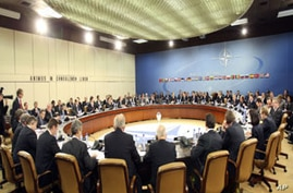 A meeting at NATO's headquarters (file)