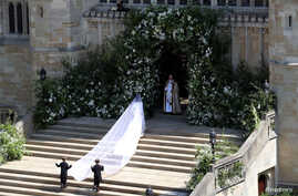 Meghan Markle arrives at St George's Chapel at Windsor Castle for her wedding to Prince Harry, May 19, 2018.