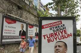 Two Major Parties Fight for Votes in Turkey Election