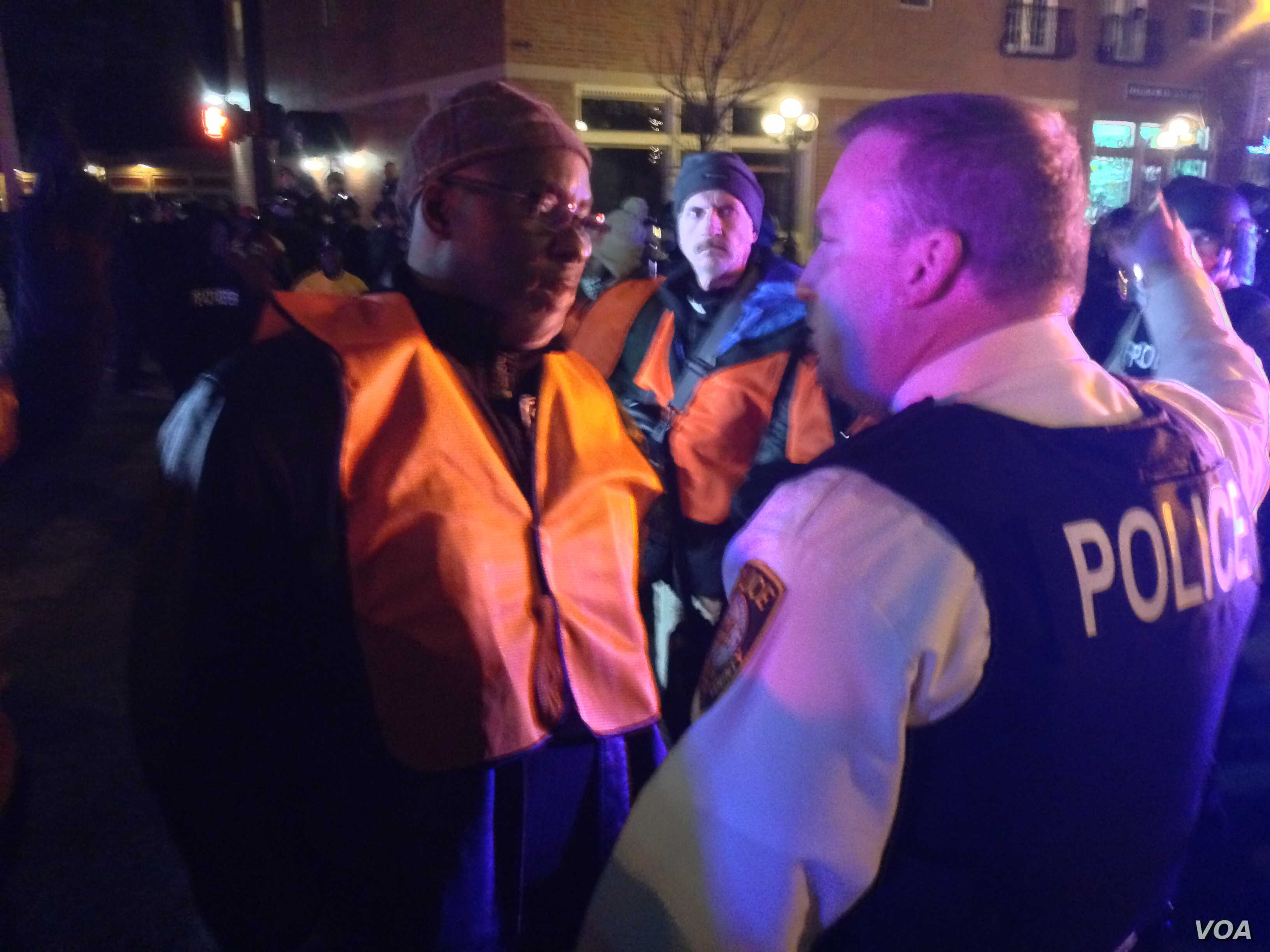 Unrest on the streets of Ferguson after a grand jury decided not to indict police officer Darren Wilson in the death of Michael Brown, Ferguson, Missouri, Nov. 24, 2014.  (Kane Farabuagh/VOA)