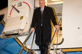 U.S. Secretary of State Rex Tillerson exits his plane. (Photo: State Dept. Flickr)