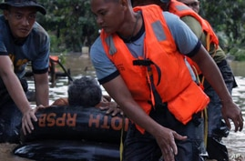 More than 500 Dead in Storm in Philippines