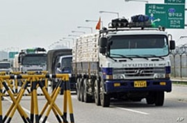 South Korean Groups Send Truckloads of Flour Into North
