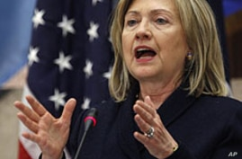 Clinton Pledges Early Action On Free Trade Agreements