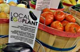 A new grocery store in downtown St. Louis offers fresh fruits and vegetables to inner city residents.