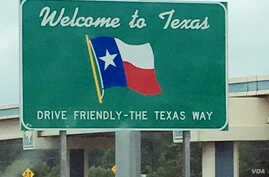 Texas border sign (photo: D. Bekheet)
