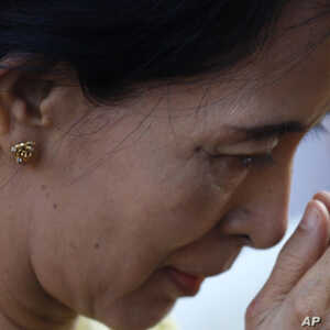 Burmese Democracy Leader Reveals Thoughts on Politics, Love and Life