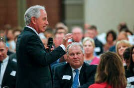 U.S. Sen. Bob Corker, R-Tenn., speaks to the Chamber of Commerce in Knoxville, Tenn., Aug. 16, 2017.