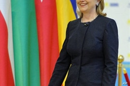 Clinton Says Leaks Will Not Impede US Diplomacy