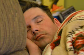 A new study finds insufficient sleep could make people more at risk of catching cold.