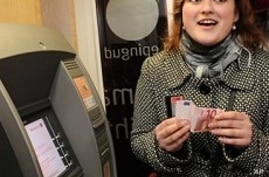 Estonia Adjusts to Euro Amid Concerns Over Currency's Future