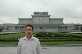 VOA Southeast Asia Bureau Chief Steve Herman, shown outside the Palace of the Sun, where the embalmed bodies of Kim Jong Il and Kim Il Sun are on display, in Pyongyang, North Korea.