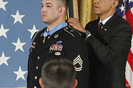 Obama Presents Medal of Honor to US Army Ranger