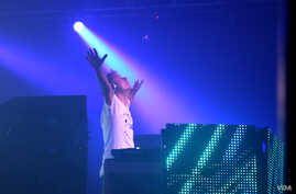 Armin van Buuren was voted DJ Mag's Top DJ in the world on Monday. He attracted thousands at Echostage in Washington, DC. (Carla Babb/VOA)
