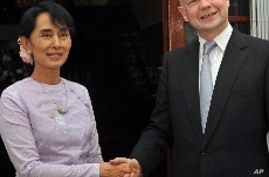 Britain's Foreign Secretary Meets Burma's Opposition Leader