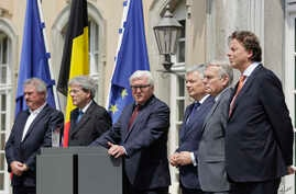 The Foreign Ministers from EU's founding six Jean Asselborn from Luxemburg, Paolo Gentiloni from Italy, Frank-Walter Steinmeier from Germany, Didier Reynders from Belgium, Jean-Marc Ayrault from France and Bert Koenders from the Netherlands, from lef